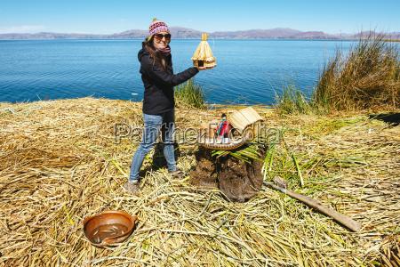 peru titicaca see tourist auf einer