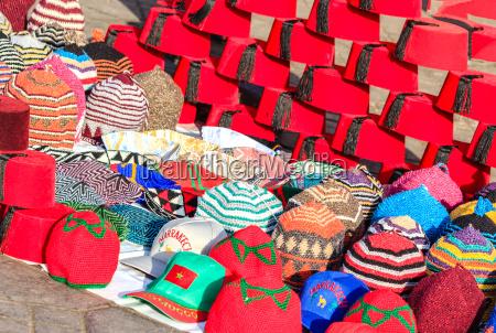 marokkanische traditionelle rote fez huete und