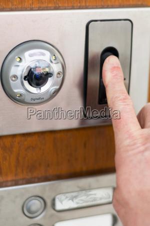 sicherheitssystem am eingang fingerscan und