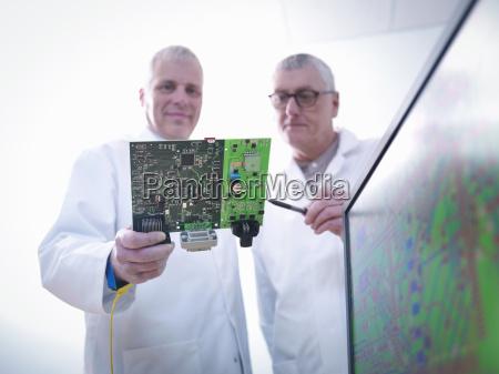 elektronik industrie wissenschaft technik maennlich mannhaft