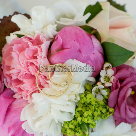 bridal bouquet with pink and white