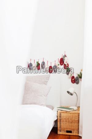 adventskalender schlafzimmerwand
