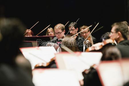 frau unterhaltung entertainment konzert musik spiel