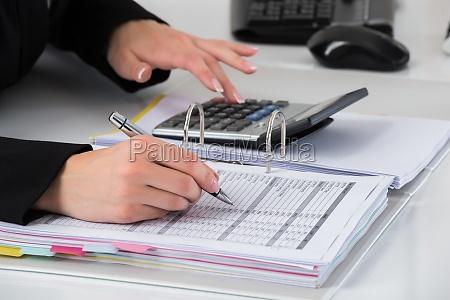 die berechnung geschaefts hand business report