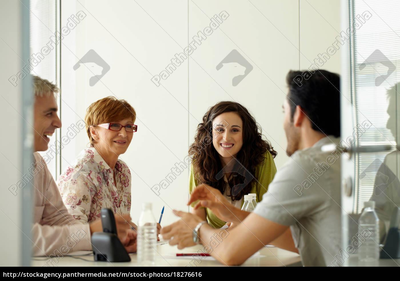 gruppe, von, personen, in, einem, positiven - 18276616