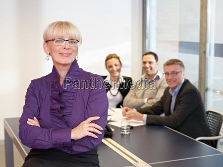 leading business woman in meeting