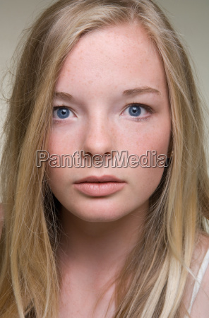 close up of teenage girls face