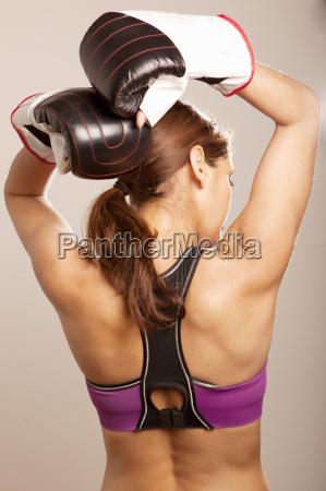 frau freizeit sport weiblich lila aktion