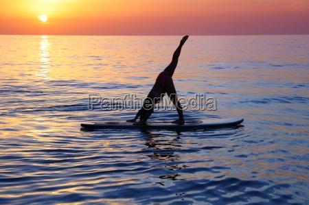 doing yoga am strand