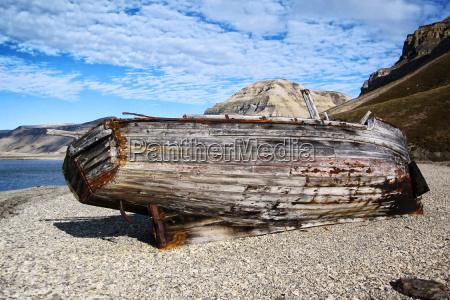 bootswrack auf spitzbergen
