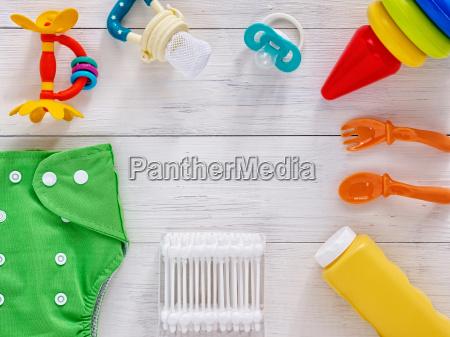 sammlung von artikeln fuer babys mit