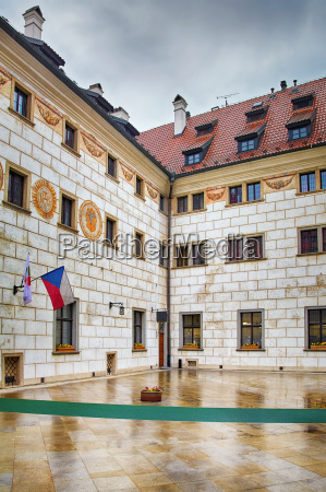 courtyard in cesky krumlov