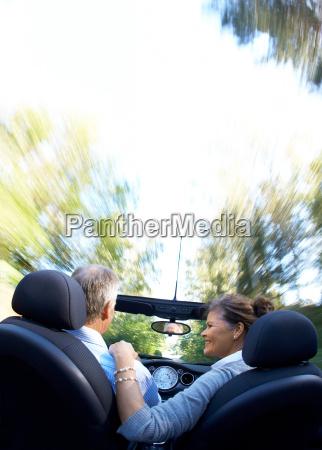 reifes, paar, fahren, sportwagen - 18304384