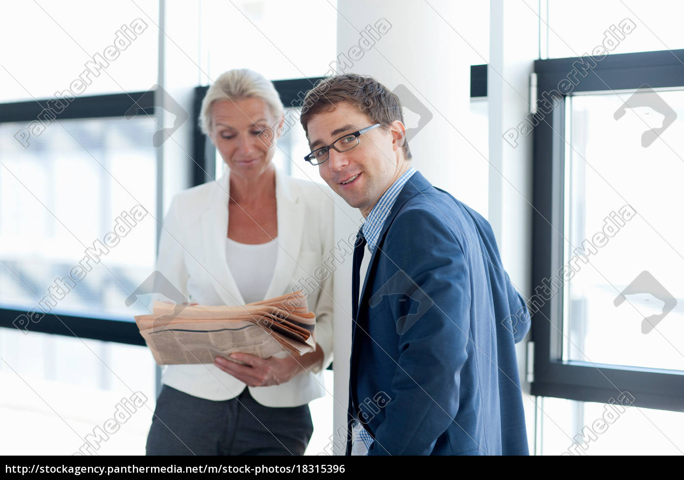business, people, talking, in, office - 18315396