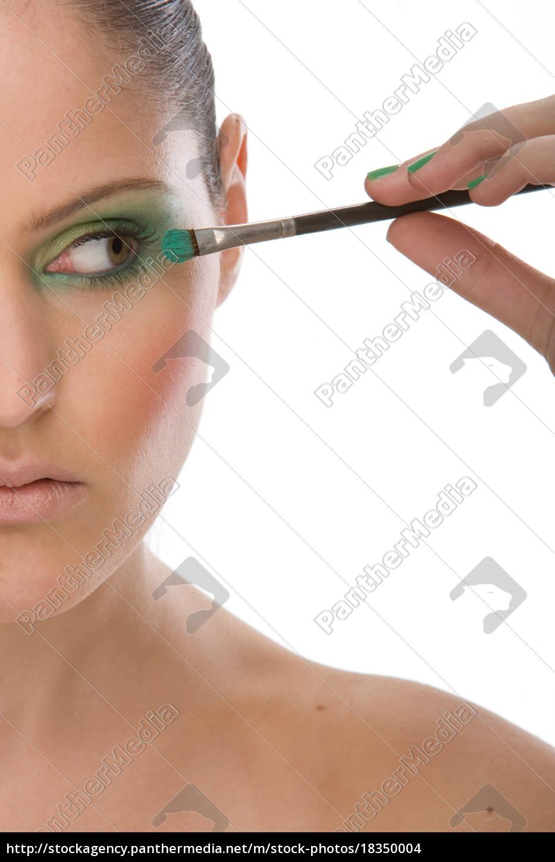 woman, applying, eye, makeup, up, with - 18350004