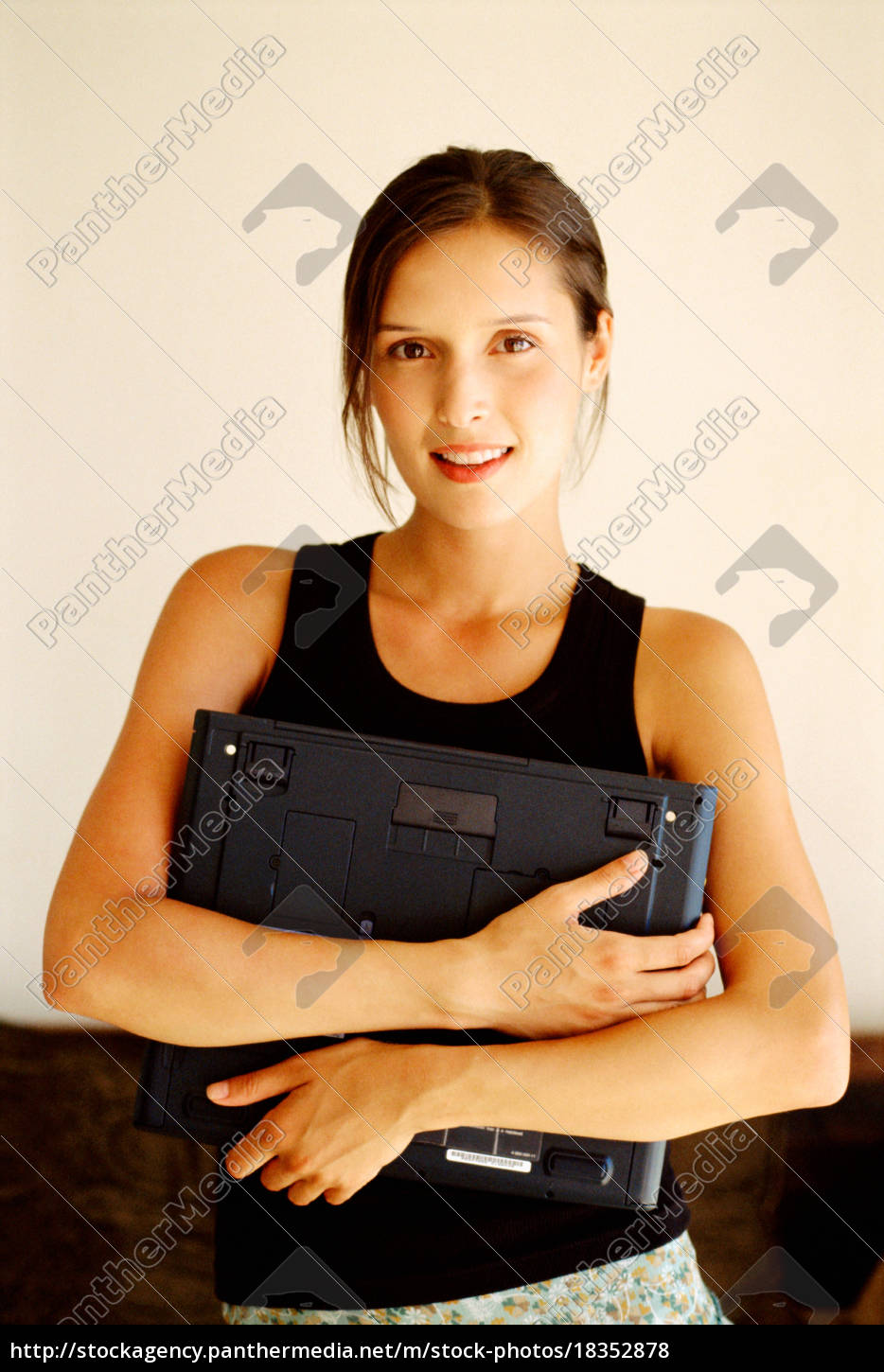 woman, holding, laptop - 18352878
