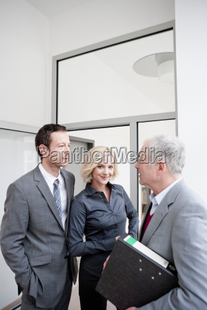 3 business people meeting