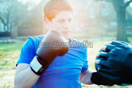 boxertraining mit trainer im freien