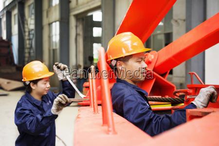 industrie maennlich mannhaft maskulin viril energie
