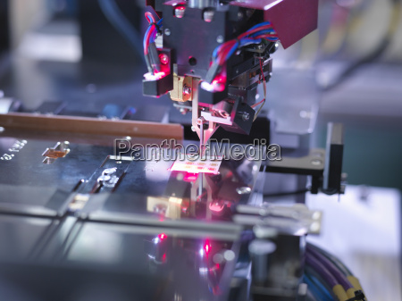 electronic component in testing machine close