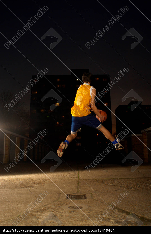 basketballspieler, springen - 18419464