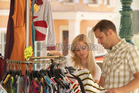 couple shopping in french market