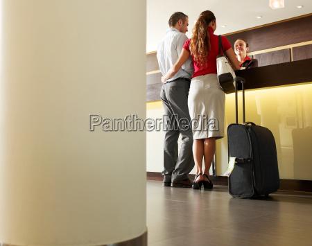 fahrt reisen spanien hotel koffer handkoffer