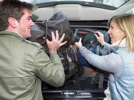 couple packing car