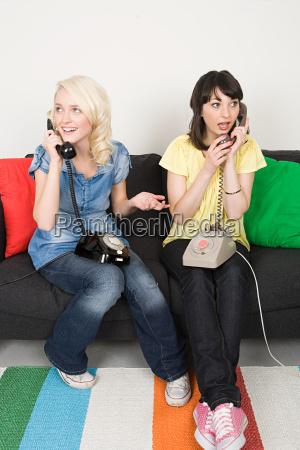 frau telefon telephon reden redend redet