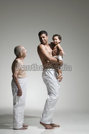 drei generationen von maennchen