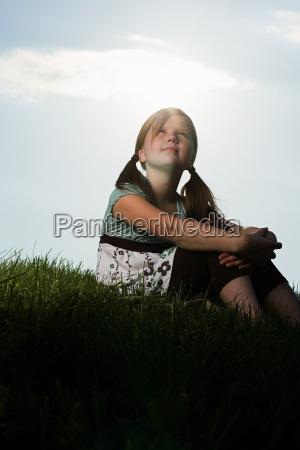weiblich wolke sonnenlicht outdoor freiluft freiluftaktivitaet