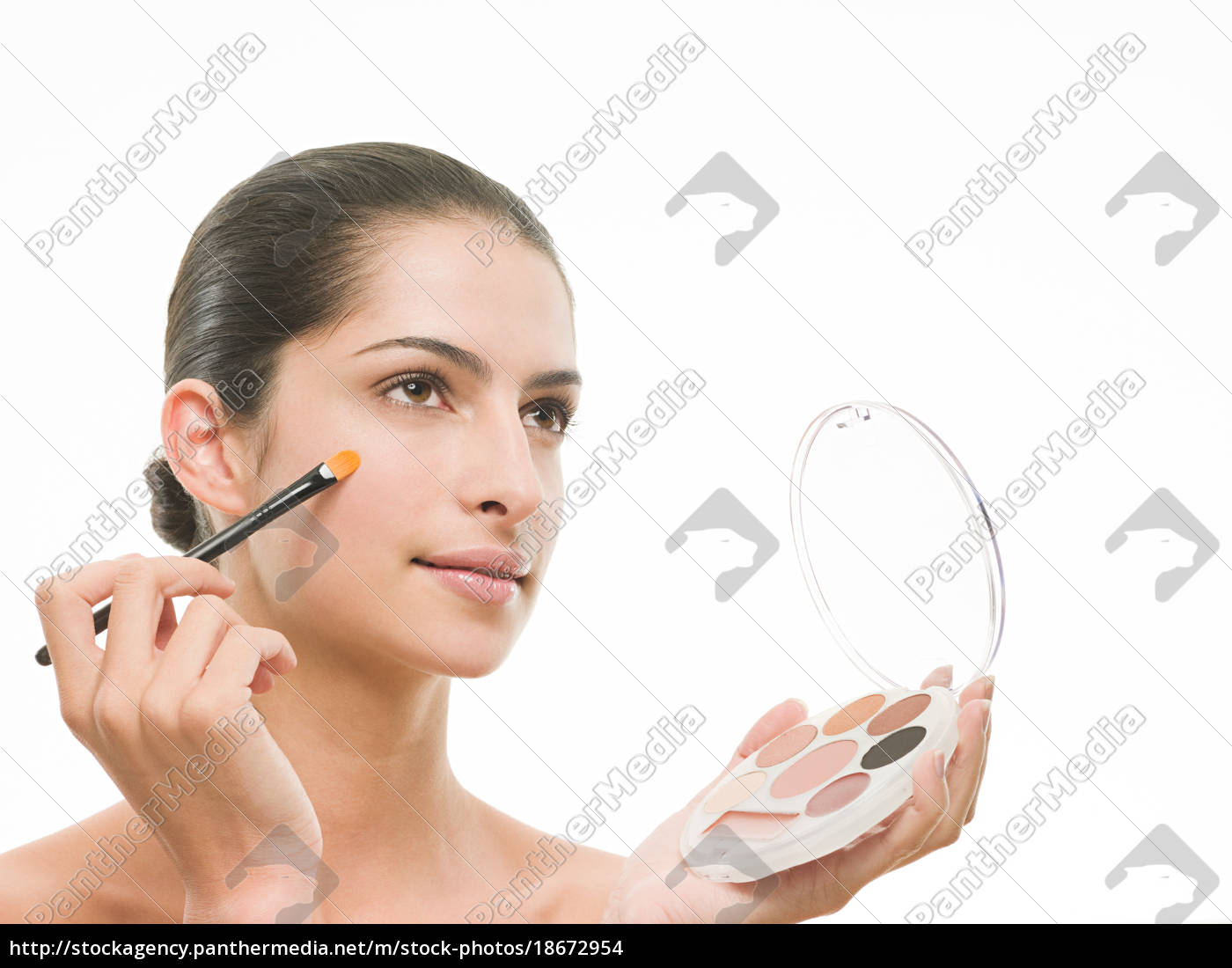 woman, applying, makeup - 18672954