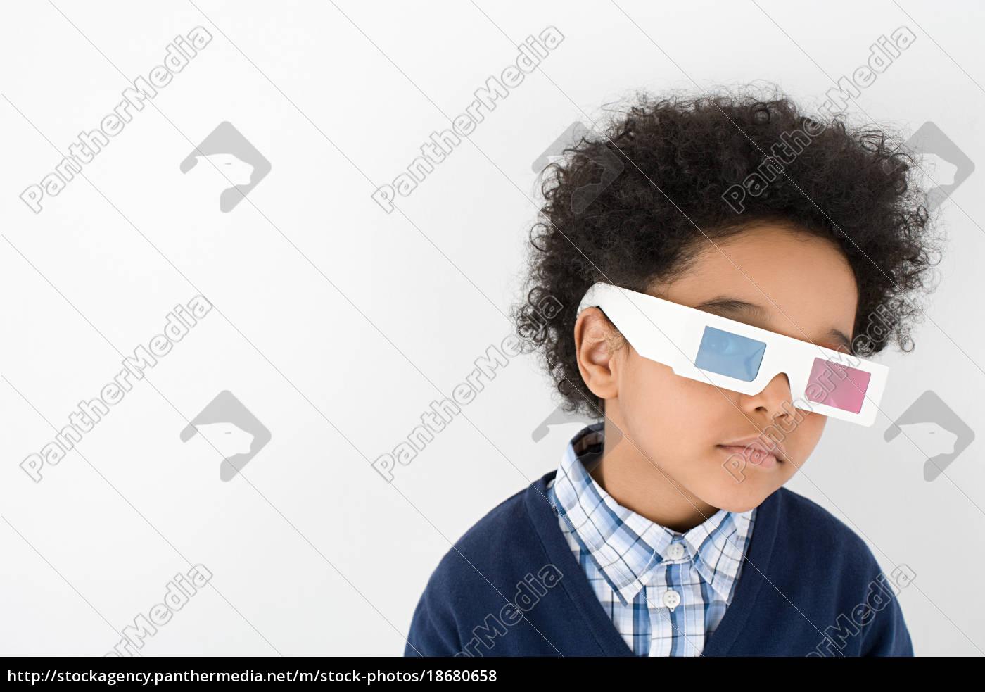 junge, trägt, 3d-brille - 18680658