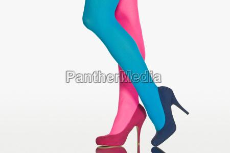 frau blau mode feminin weiblich fuss