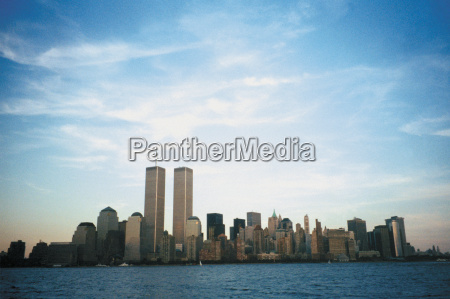 view of the new york skyline