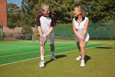 freundschaft freizeit sport lebensstil weiblich maennlich
