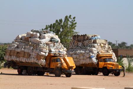 warentransport im sudan in afrika