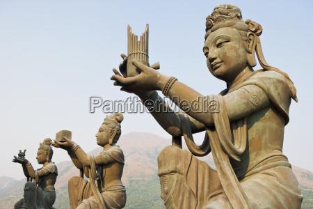 statues near tian tan buddha
