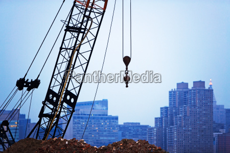 crane in new york city