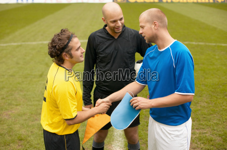 footballers shaking hands