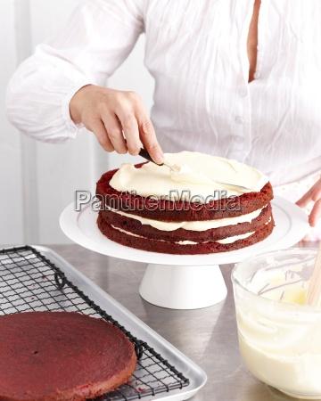making pink velvet chocolate cake