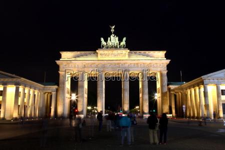 brandenburger tor berlin architektur statur sehenswuerdigkeit