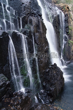 mckenzie falls grampians national park victoria