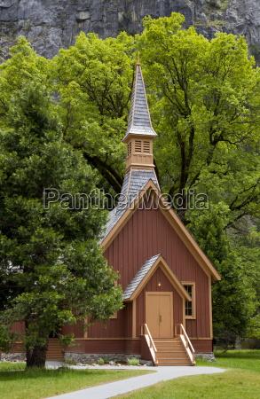 historic interdenominational chapel yosemite community church