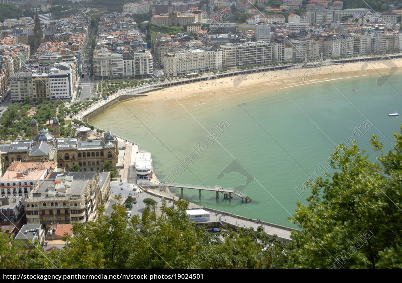 overview, of, san, sebastian, , basque, country, - 19024501
