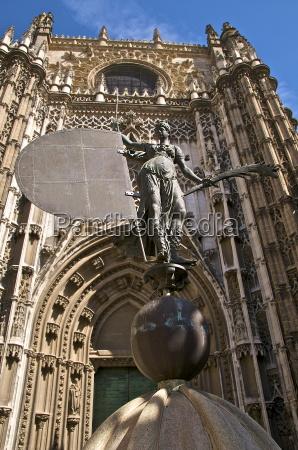 fahrt reisen religion kirche statue dom