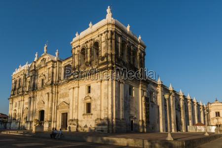 basilica de la asuncion dating from