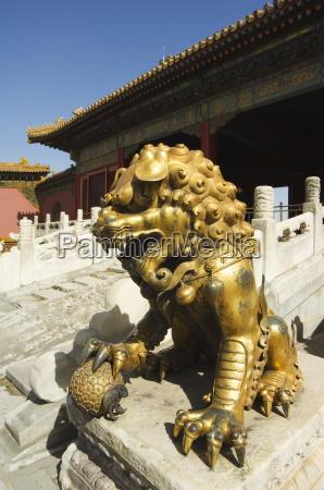 kunst statue asien loewe katze raubkatze