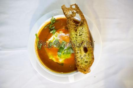 sopa de tomate alentejana eine traditionelle