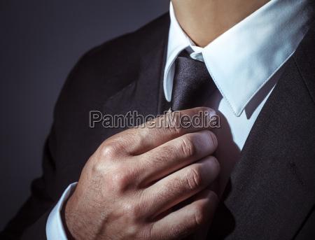 stilvolle herren anzug